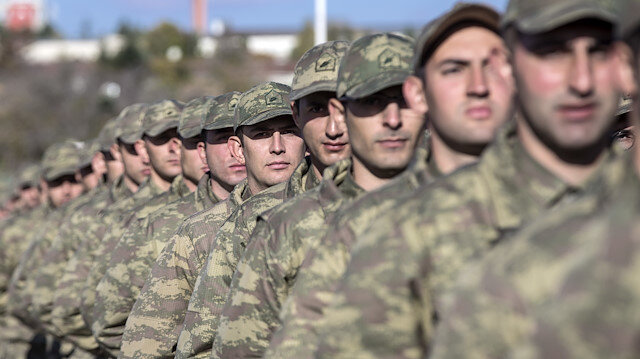 AK Parti'de yeni askerlik düzenlemesi toplantısı