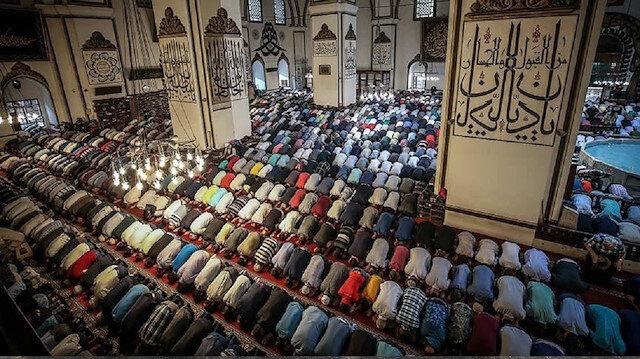 قونية التركية.. رسوم محراب مسجد سلجوقي تشد أنظار المصلين