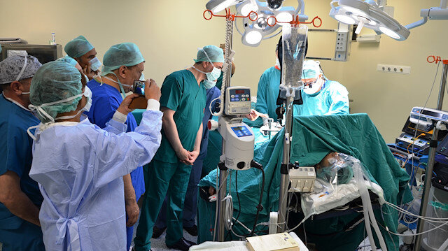 İnönü University has started five simultaneous liver transplantation surgeries in a bid to set the Guinness World Record