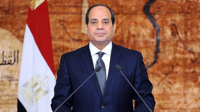 Sisi'ye suikast davasında  idam kararlarının delil eksikliğinden dolayı müebbet hapse çevrildiği belirtildi.