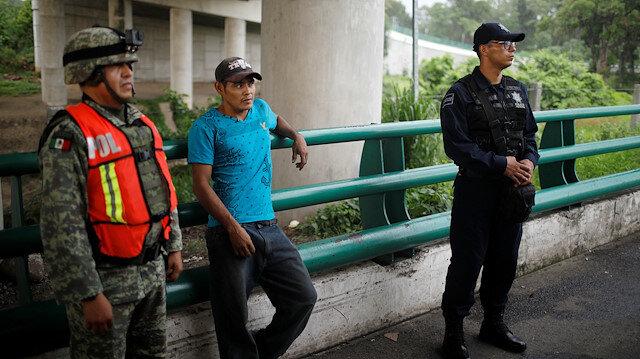 """Guatemala ile Belize'nin resmi bir sınırı yok, OAS'ın arabuluculuğuyla iki ülke birbirinden """"bitişik bölge"""" adıyla ayrılmakta."""