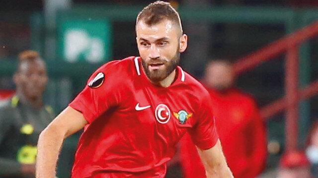 Mustafa Yumlu yuvaya dönüyor