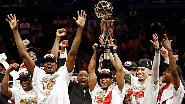Raptors tarihinde ilk kez şampiyon