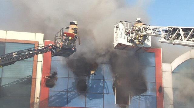 Bağcılar İSTOÇ'da korkutan yangın