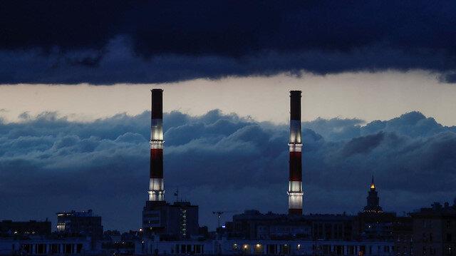 Gazete, Moskova'da bir ısıtma santralinin bu görseli ile haberi okuyucularına sundu.