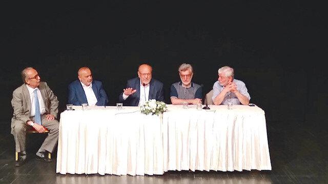 Avukat Orhan Töz, Şevki Yılmaz, Devlet eski Bakanı Hasan Aksay (ortada), Prof. Dr. Sami Şener ve Prof. Dr. Yüksel Çavuşoğlu.