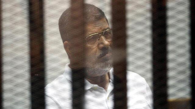 Muhammed Mursi zulüm altında şehit düştü