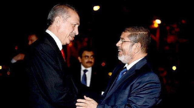 Cumhurbaşkanı Recep Tayyip Erdoğan, Mısır'ın demokratik yollarla seçilmiş ilk Cumhurbaşkanı Muhammed Mursi