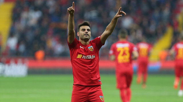Deniz Türüç, geride bıraktığımız sezon Süper Lig'de çıktığı 26 maçta 3 gol atarken 5 de asist yaptı.