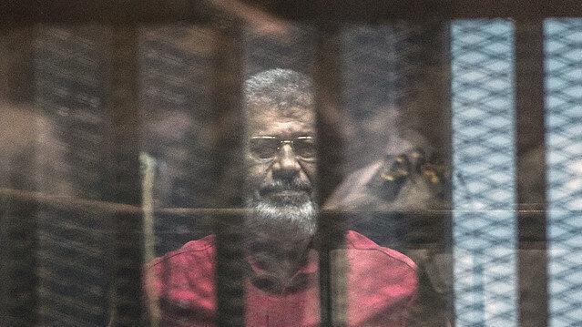 Mursi vefatından önce 'Ülkem için benimle mezara gidecek sırlarım var' dedi