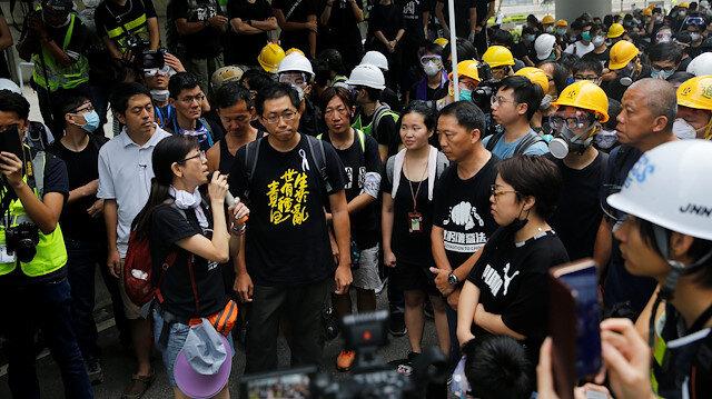 Hong Kong'da gösteriler sokaktan parka taşındı