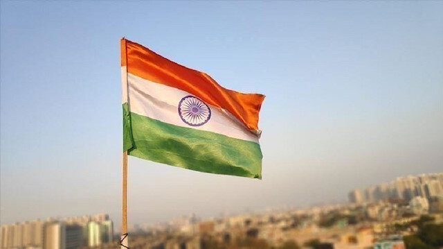 India sacks 15 senior tax officials over corruption