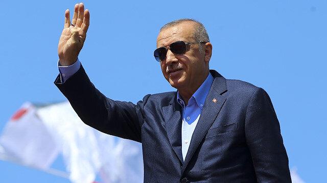 Erdoğan: Bize Mursi'yi hatırlatanlarla biz şu anda yarışıyoruz