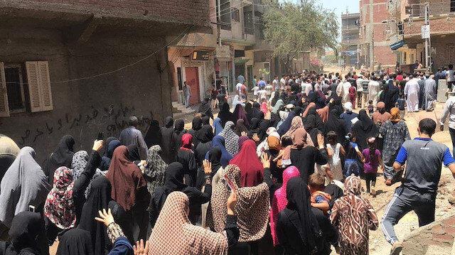 Mursi'nin doğduğu köyde gösteri düzenlendi