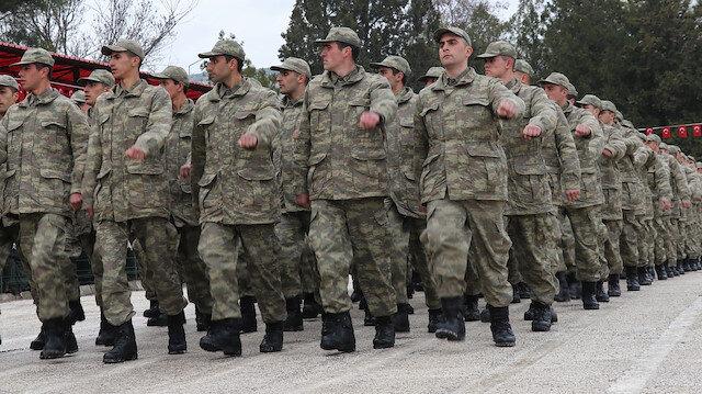 Yeni askerlik düzenlemesi: 6 aya düşüren madde kabul edildi