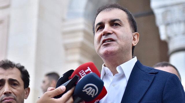 Ömer Çelik: Darbeciler Mursi'nin naaşından korkuyorlar