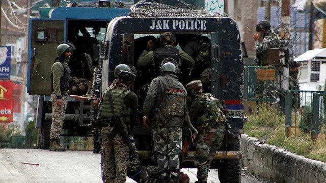 Gunbattle in Kashmir kills 2 militants, soldier