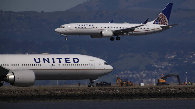 United Airlines firmasına ait yolcu uçakları. (Arşiv)