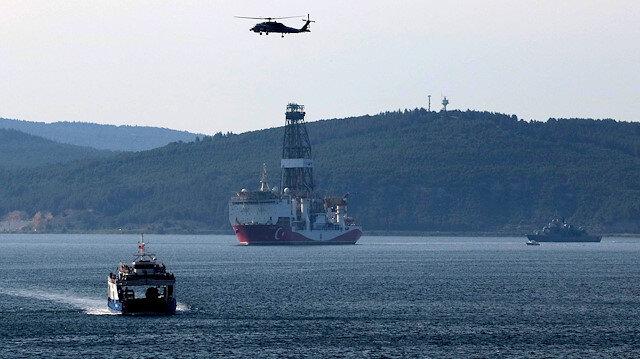 'Yavuz' sondaj gemisi Çanakkale Boğazı'ndan geçti