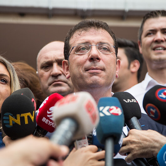 Opposition party candidate casts vote in Istanbul