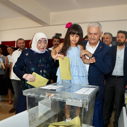 Turkey's ruling party candidate casts vote in Istanbul