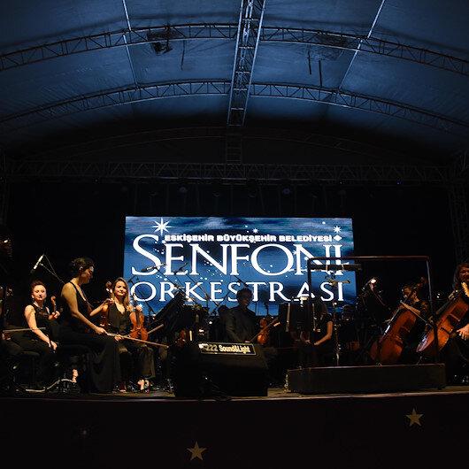 Turkey's Senforock performs for thousands in Anatolia