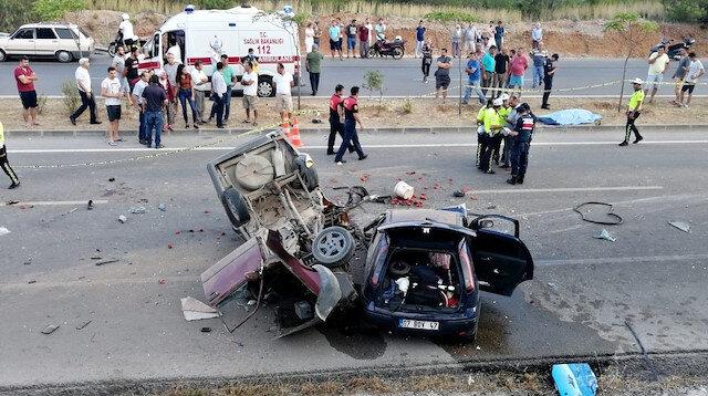 Trafik kazasında 2 kişi öldü, biri bebek 6 kişi yaralandı