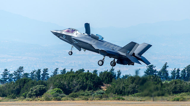 Turkish, US top defense officials discuss F-35, Syria