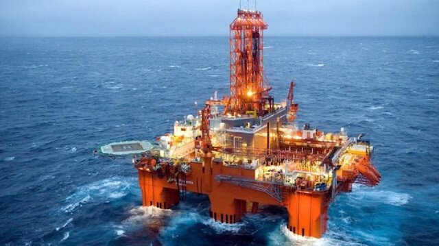 Oil driller Dolphin declares bankruptcy with $1 bln debt