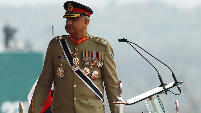 Pakistan's army chief points to 'fiscal mismanagement' for