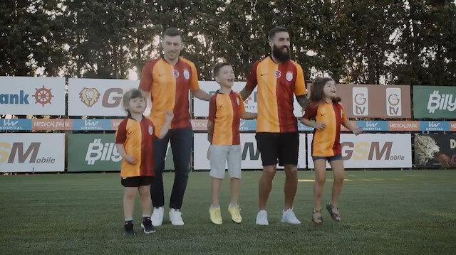 Galatasaray Jimmy Durmaz ve Şener Özbayraklı transferini bu video ile duyurdu