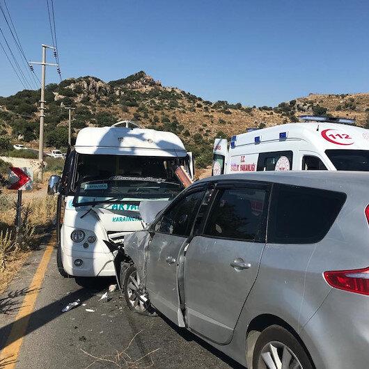 Muğla'da minibüs iki otomobille çarpıştı: 10 yaralı