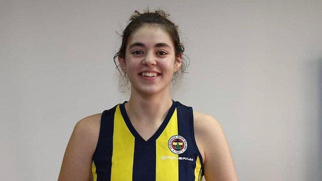 Sahra Genç, 5 sezon sarı-lacivertli formayla mücadele etti.