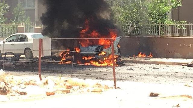 Reyhanlı'da bir otomobilde patlama meydana geldi: 2 kişi hayatını kaybetti.