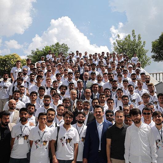 للعمل التطوعي.. شبان أتراك يستعدون للتوجه إلى 35 دولة