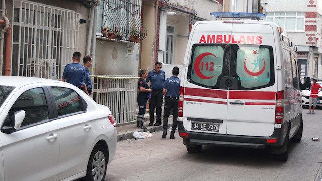 Fatih'te Çinli kadının boğazını kesip evini ateşe verdiler