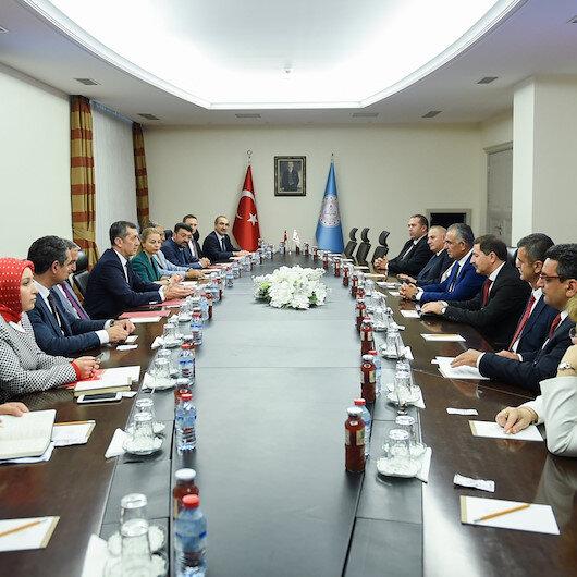 Bakan Selçuk KKTC Eğitim ve Kültür Bakanı Çavuşoğlu ile görüştü