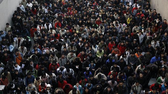 Dünya nüfusu 1999'da 6 milyar, 2011'de 7 milyar oldu.