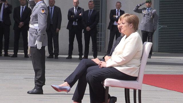 Merkelin titreme nöbetine sandalyeli çözüm