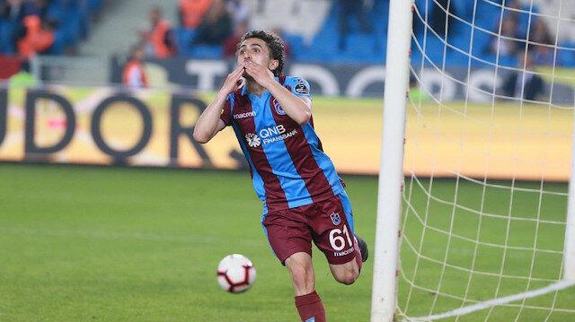 Abdülkadir Ömür, Süper Lig'de toplamda çıktığı 60 maçta 8 gol atarken, 15 de asist kaydetti.