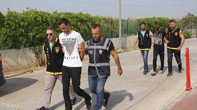 Sercan B. ile Gökhan B. polisler tarafından yakalandı.