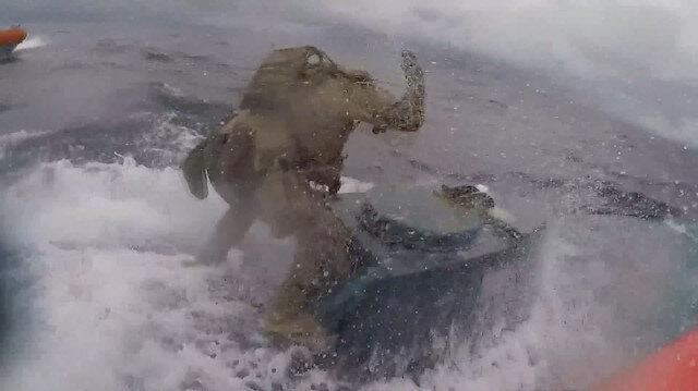 Denizaltıya uyuşturucu operasyonu kamerada