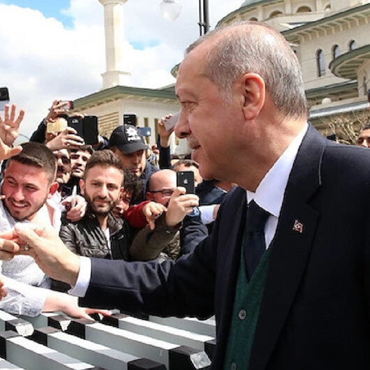 أردوغان يشارك تغريدة شاب تركي ويدعم فكرته ويعده بتطبيقها!