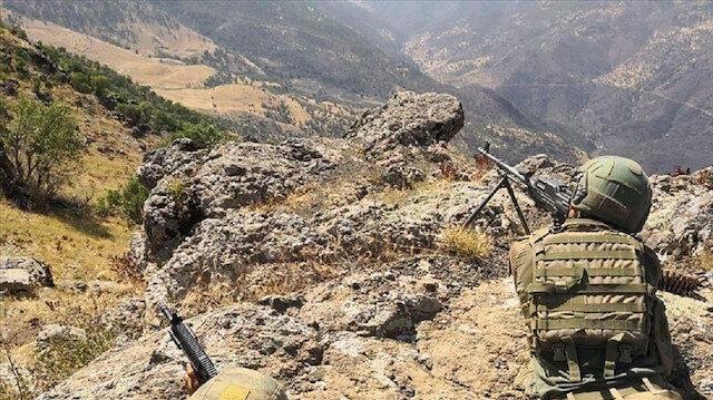 الدفاع التركية.. تحييد 64 إرهابيا في