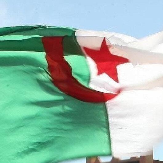 الدفاع الجزائرية: أحبطنا مخططا إرهابيا لاستهداف مسيرات الحراك