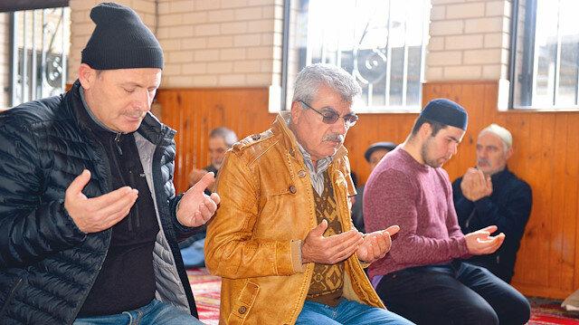 Melbourne'daki Broadmeadows Camisi'nde düzenlenen anma programında Kur'an-ı Kerim, Mevlid-i Şerif ve ilahiler okundu.