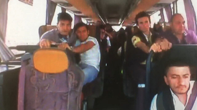34 kişinin yaralandığı midibüs kazası kamerada