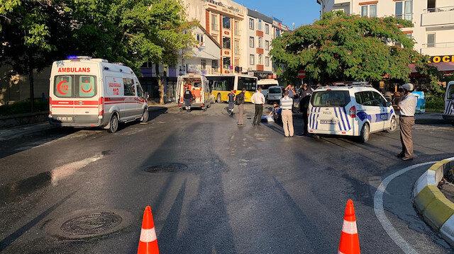 Sancaktepe'de halk otobüsü kaza yaptı.