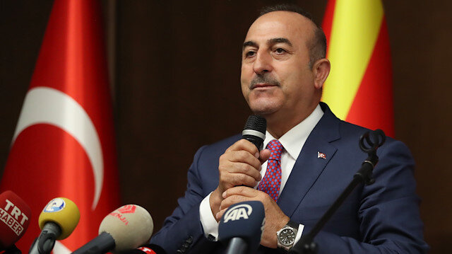 Bakan Çavuşoğlu'ndan Leyen'e tebrik