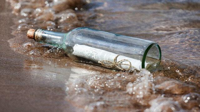 Avustralya'da 50 yıllık şişe mesajı bulundu: Lütfen cevap verin